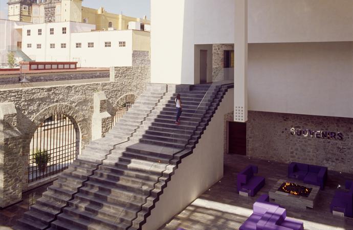 urban-retreat-oasis-urbano-la-purificadora-mexico-hotel-yoga-veronica-gamio-habitacion-entrada-hall