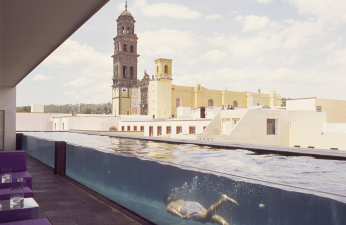 urban-retreat-oasis-urbano-la-purificadora-mexico-hotel-yoga-veronica-gamio-habitacion-piscina-exterior